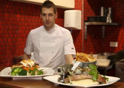 Parnell-Bar_chef